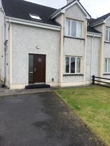 3 bed house in Foxford - Cnoc An Dara - House