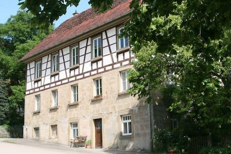 """Ferienwohnung """"Alte Schule"""" - Braunsbach - Wohnung"""