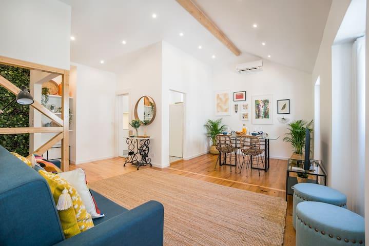 Chiado & Design Apartment