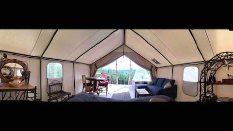 """""""Top Of The Hill"""" Glamping"""