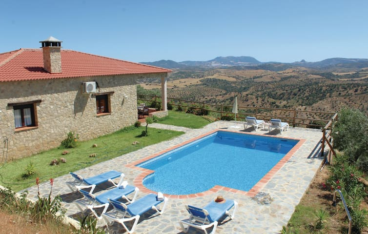 Holiday cottage with 3 bedrooms on 84 m² in El Gastor
