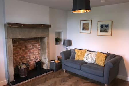 Beautiful 1 bedroom cottage  New luxury renovation