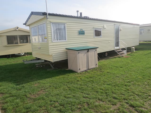 3 Bed, 8 Berth 22020 Foreshore area