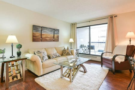 Fully Furnished & 3.5 Minutes from EXPO Centre - Edmonton