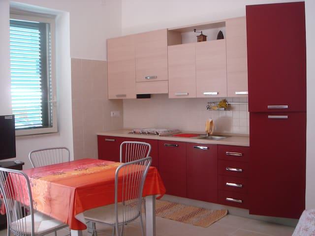 Appartamentino ristrutturato vicino alla spiaggia - Messina