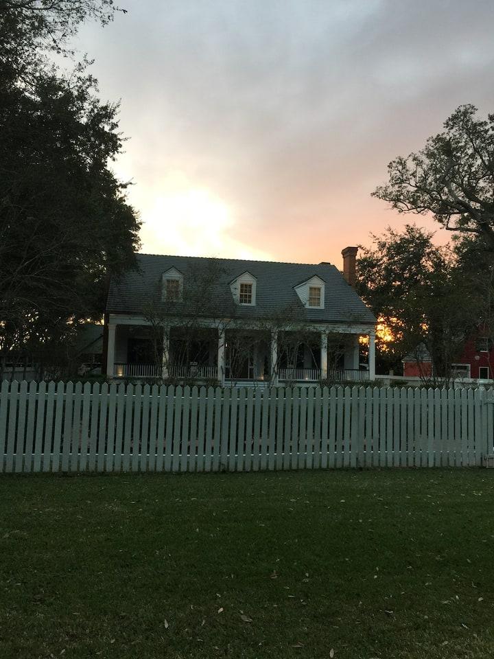 Orange Grove Plantation Cottage