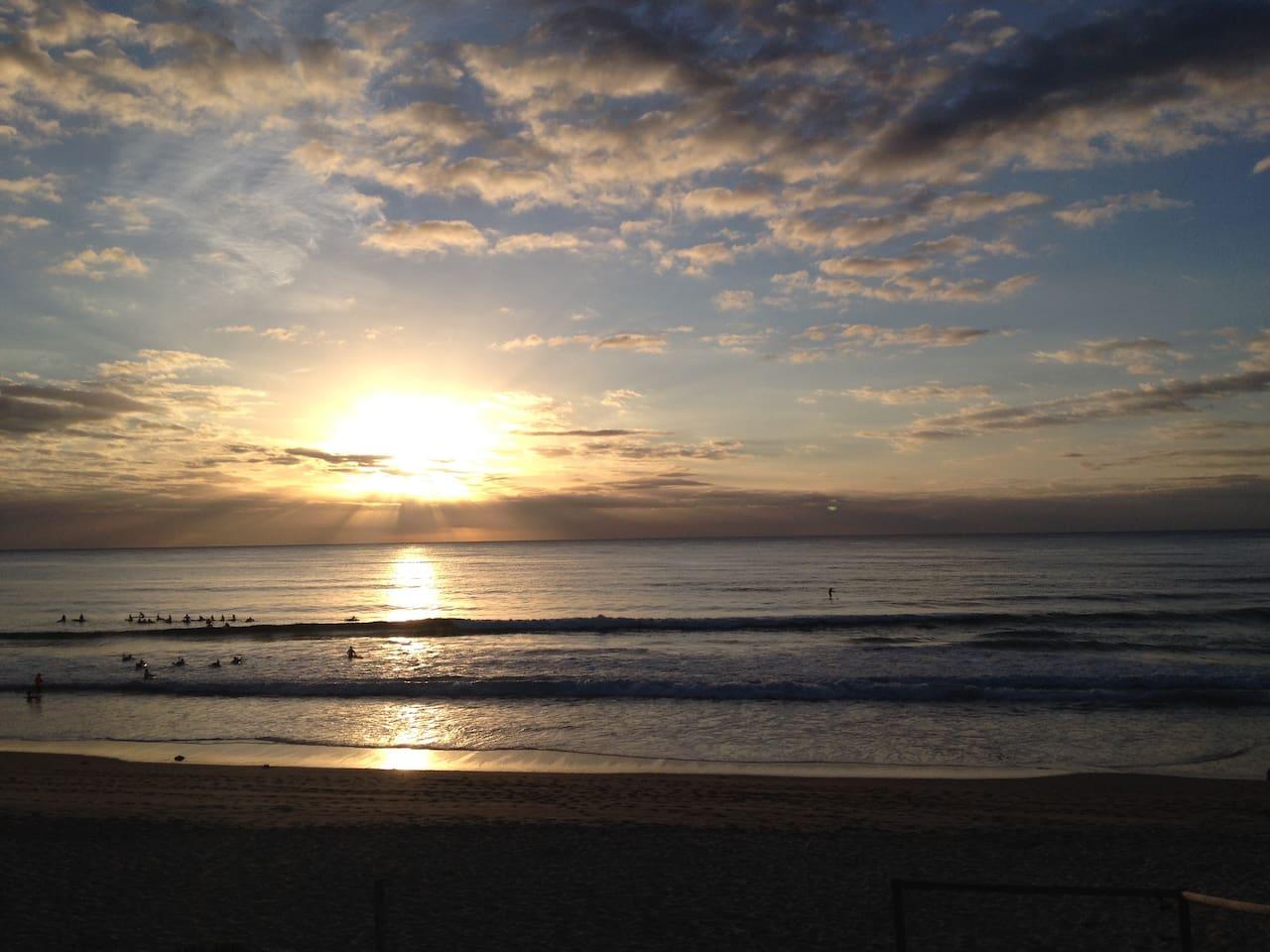 Sunrise at Cronulla Beach - 2 mins walk