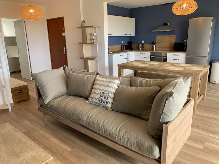 Grand appartement rénové à neuf face mer