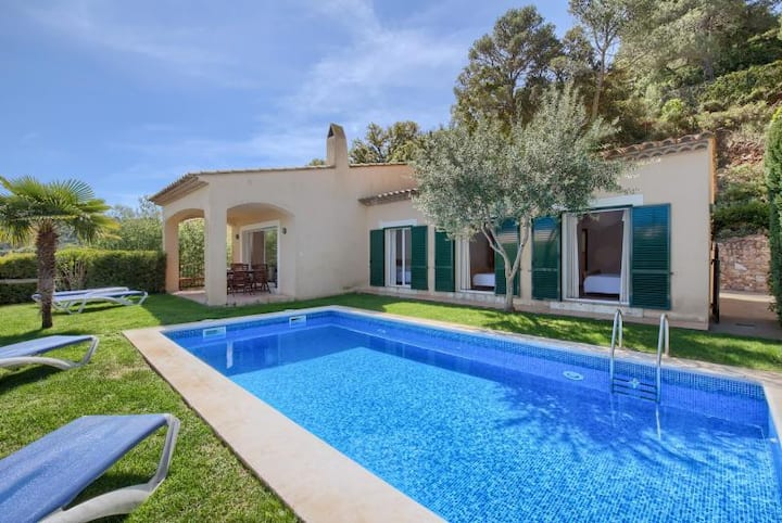 Charming villa with pool Begur