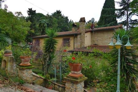 La casa delle rose - Montescudaio