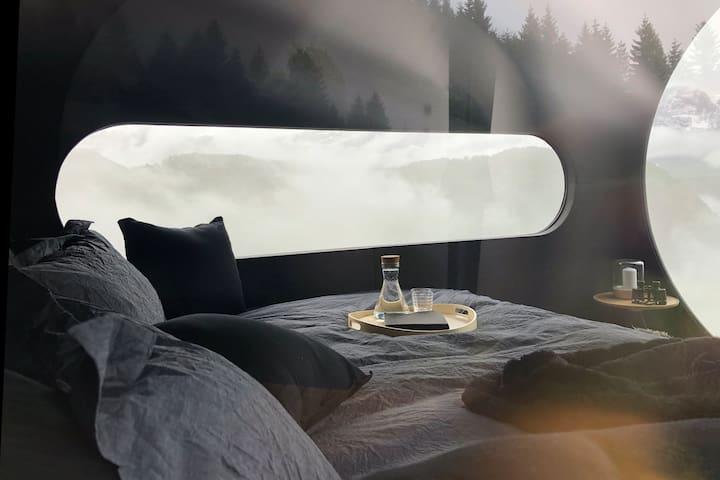 Amazing view of fjord & mountains glamping Birdbox