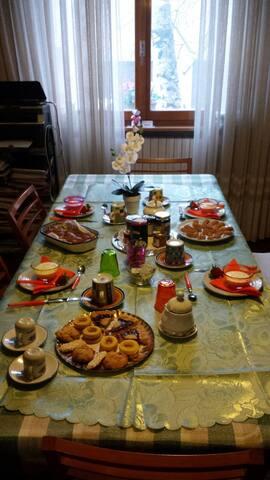 Single Room breakfast included