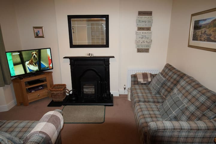 RAGLAN COTTAGE, Bowness-on-Windermere - Bowness-on-Windermere - Hus