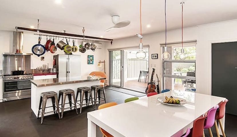 STUNNING West Busselton Home by the Sea - 5 stars