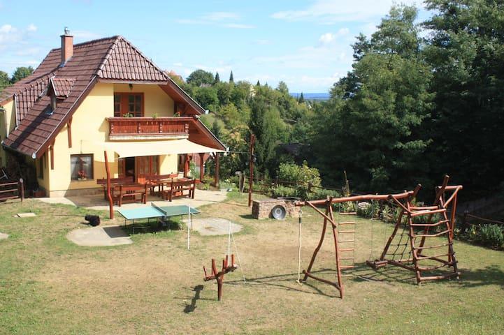 Nice Hillside House Near Balaton - Zalakaros - Hus