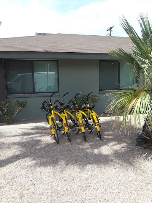 Bike to Old Town! Beach bikes available during your stay!!