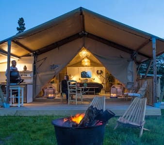 Luxury glamping overlooking picturesque river - Clifton - Zelt