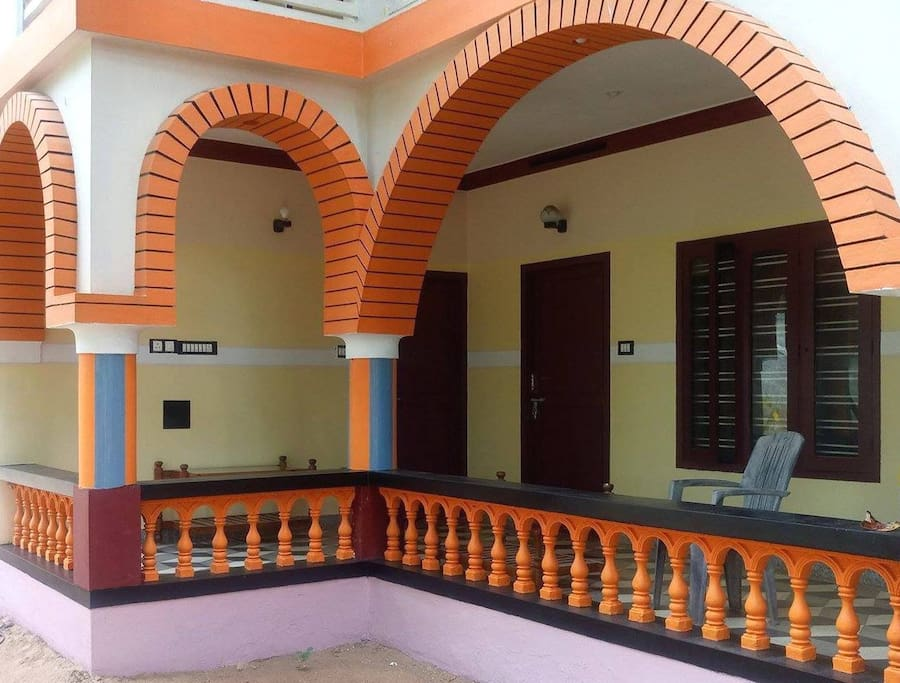 Ground Floor Room - Sea Breeze - Kovalam - 100m from Lighthouse Beach
