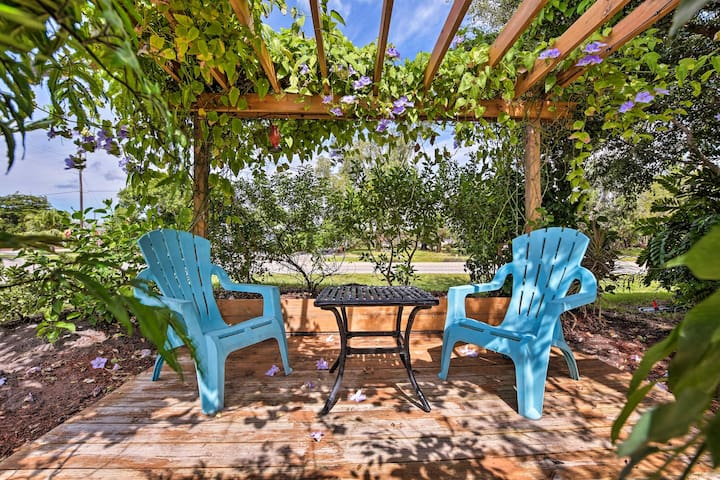 This home is minutes from the beach and offers 2 bedrooms and 1 bath.