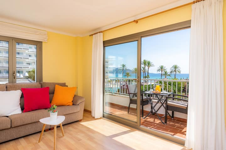 "Modern Holiday Apartment ""Roses 16"" with Ocean Views, Terrace, Air-Conditioning & WiFi; Parking Available"