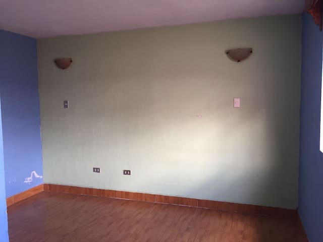 Comfortable big house in zone 8 Quetzaltenango - Quezaltenango - House