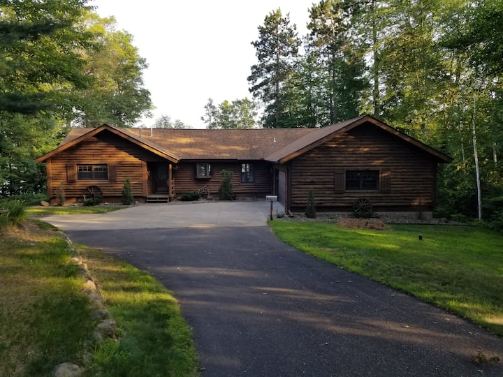 Lakefront Log Cabin on Clear Lake (Private)