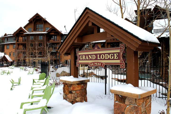 Grand Lodge Resort Peak 7 - Ski-In/Ski-Out