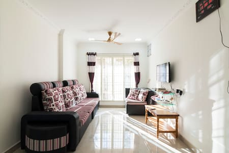 New Furnished ACroom w Wifi&Breakfast at Annanagar - Chennai - Lägenhet