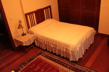 Big Double Provate Room & Private WC - Downtown - Valladolid