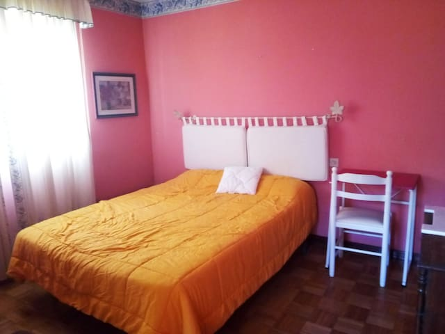 Habitación con Terraza grande con cama matrimonial