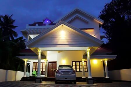 Luxury Villa near Nedumbassery Cochin Airport