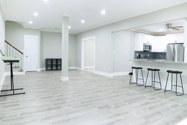 Stylish and Elegant Terrace Rental
