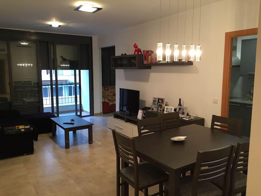 Piso con piscina y terraza apartamentos en alquiler en for Piscina amposta