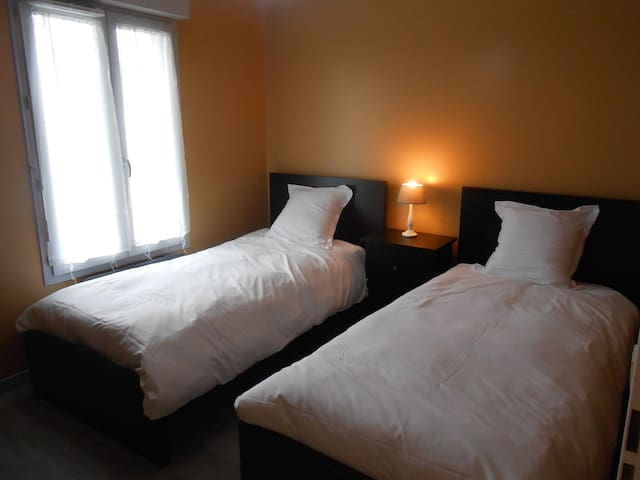 Appartement F2 de 45m2 - Le Thillay - Apartment