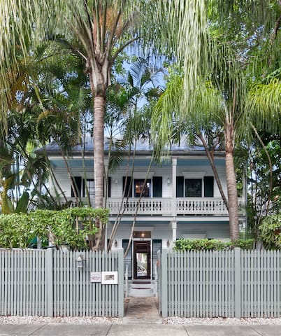 Private Loft in Old Town Key West