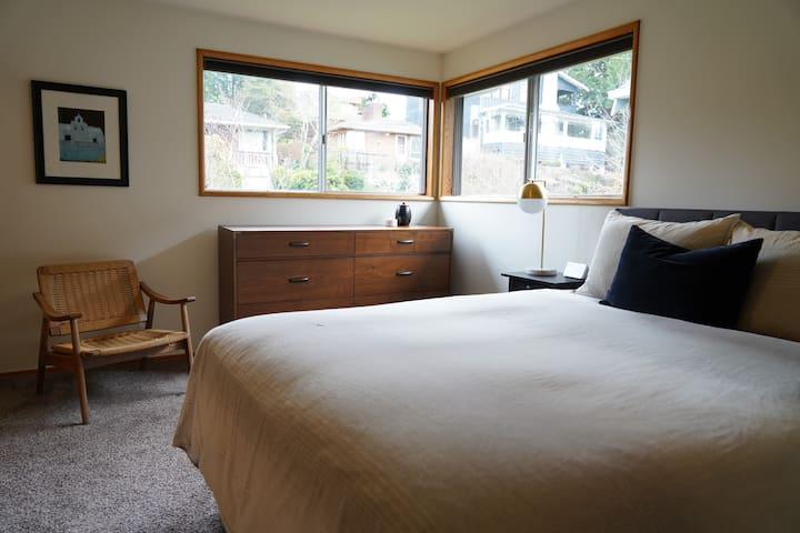 Urban Oasis Guest Room - Green Lake/Roosevelt