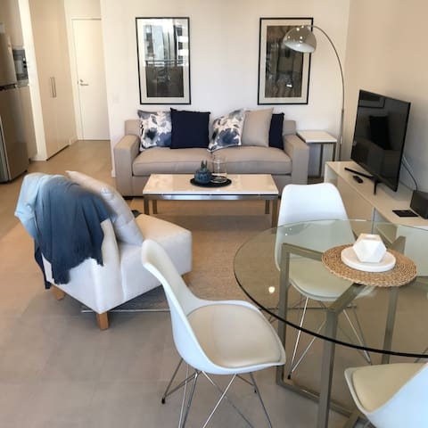 New 1 Bedroom Apartment - Inner Sydney - Forest Lodge - Appartamento