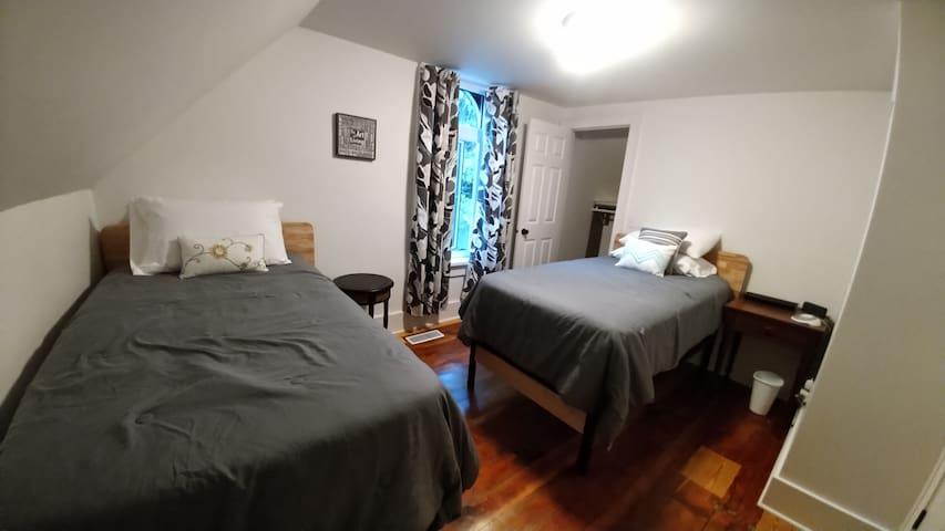 2nd Bedroom - Has 2 twin beds
