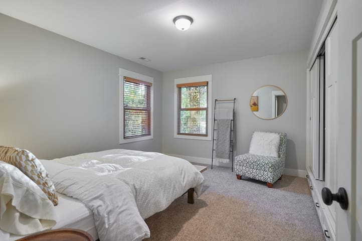 Sleep on a queen-sized organic mattress and eco-luxury bedding in the second bedroom.