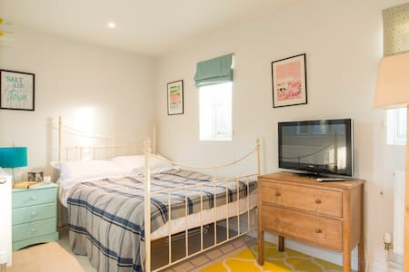 Ideal for Cotswold airport - Kemble - Apartamento