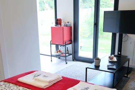 Habitación tipo estudio, en chalet para 2 personas