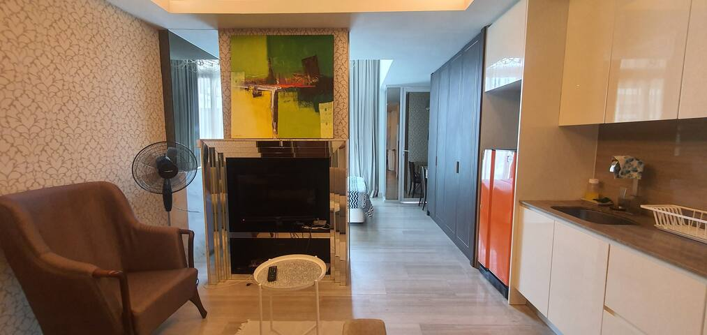 The Honeymoon | Bathtub | Fast Wifi @ Damas Suites