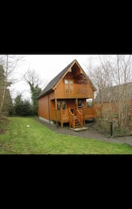 Luxurious River Log Cabin - Belturbet - Chalet