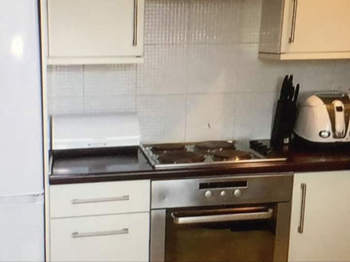1 Bedroom Available In A 2 bed Flat