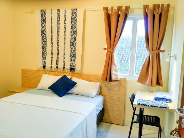 (NEW) 1 Cozy room at Omah Wienna Homestay #206