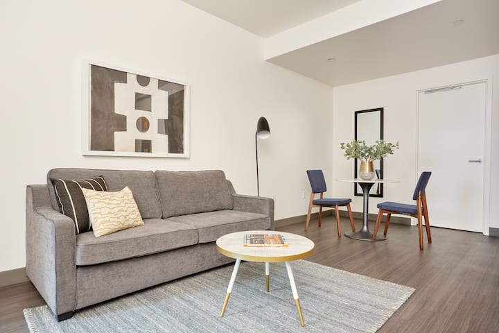 Sonder at Revival | 1BR Suite Near Whole Foods