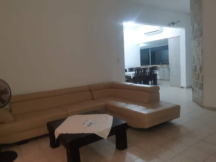 Kosher Apartment in Kiryat Shmuel - sleeps 10