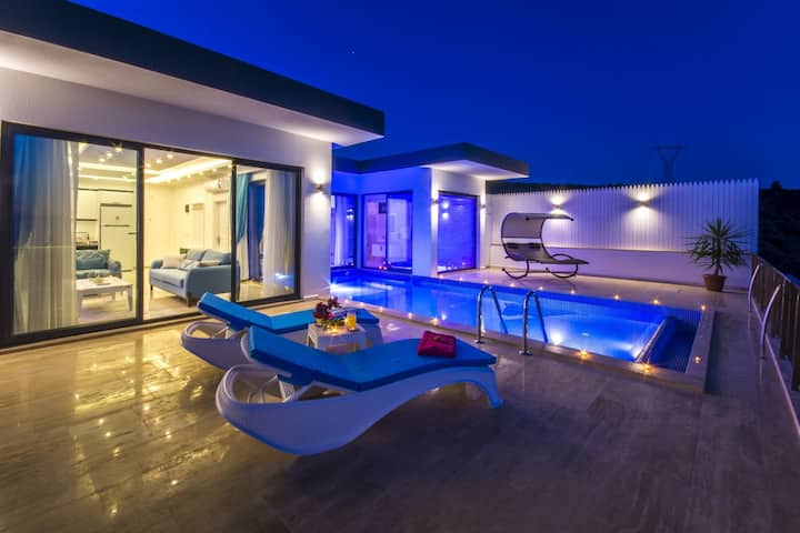 Romantic Honeymoon Villa with Totally Private Pool