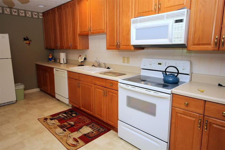 Fully furnished kitchen and dining area