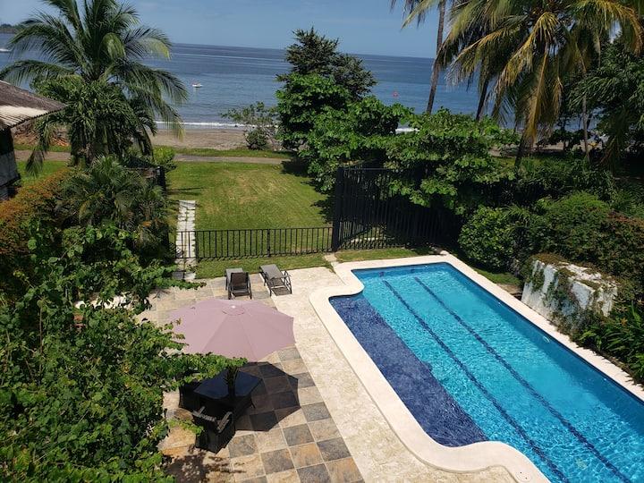 Beachfront 3 bdrm in Playa Hermosa!